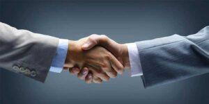 stretta di mano - accordo associazione confindustria vicenza albasoft