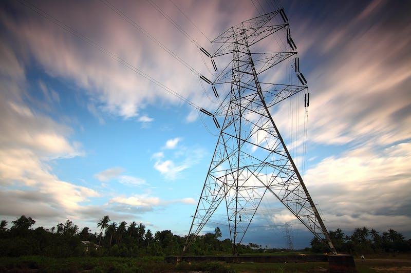traliccio - costi energetici