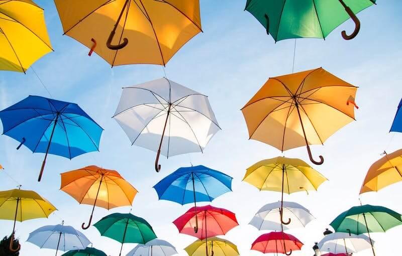 fiscalità coperture- ombrelli simbolo di protezione